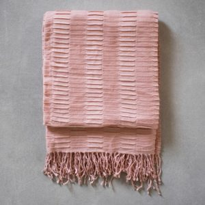 Pleated throw - blush